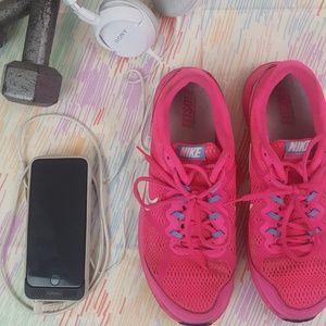 Hot Pink Nike Dual Fusion Run 3